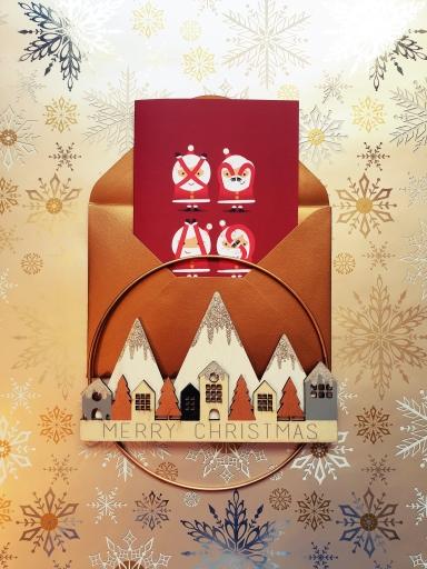 """Carte Pères Noël rigolos dans une enveloppe dorée, avec un décor """"Merry Christmas"""""""
